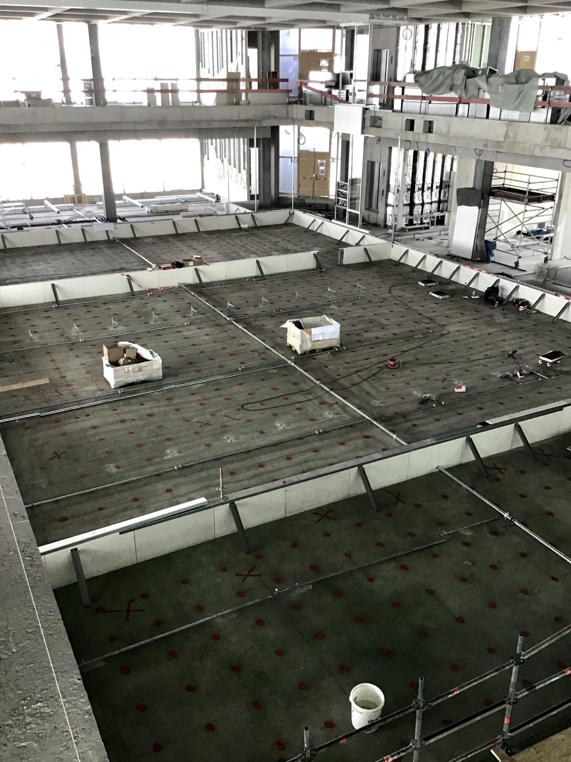 Forum, bereit für den Doppelboden!