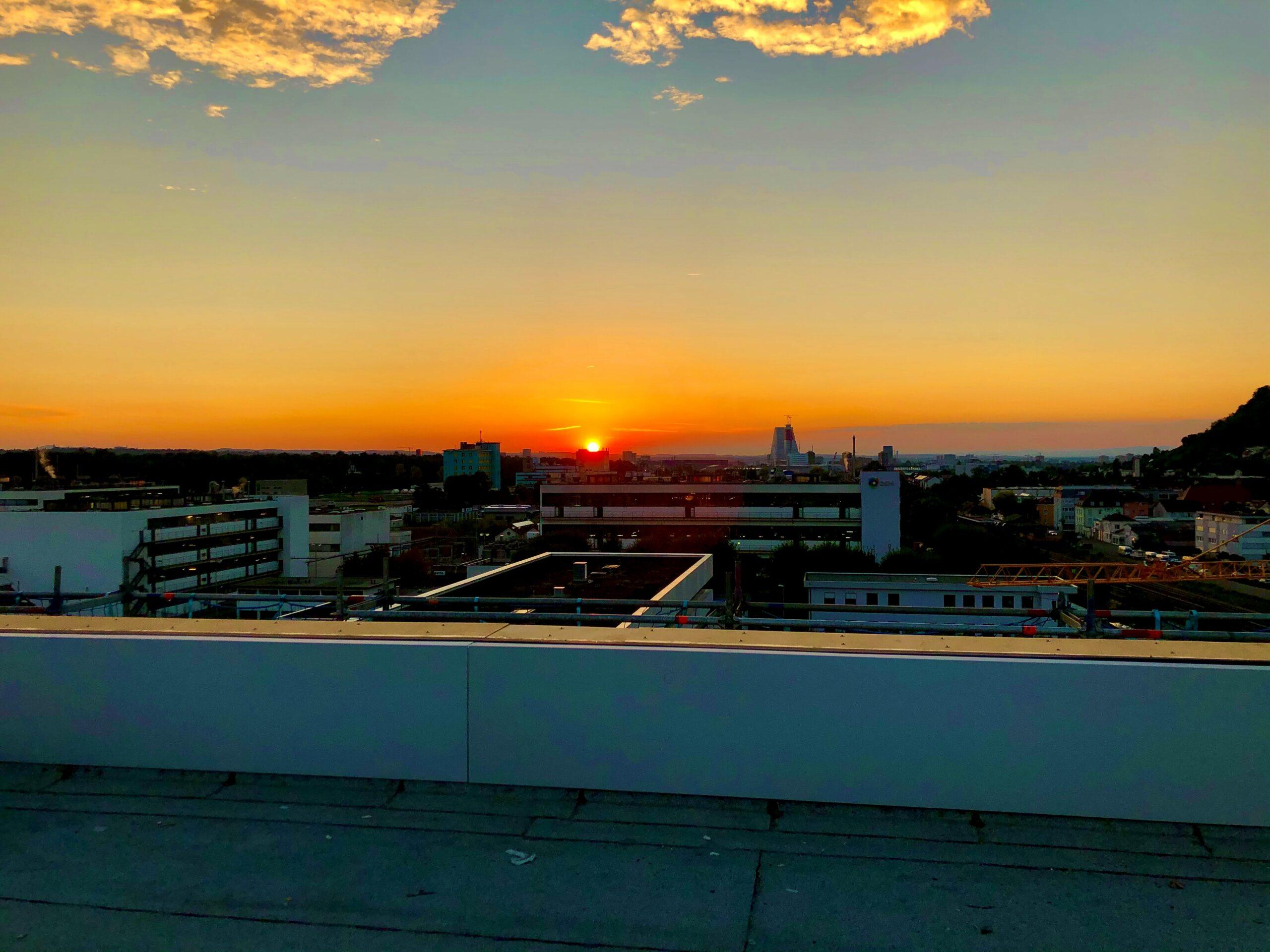 Sonnenuntergang auf unserem Dach