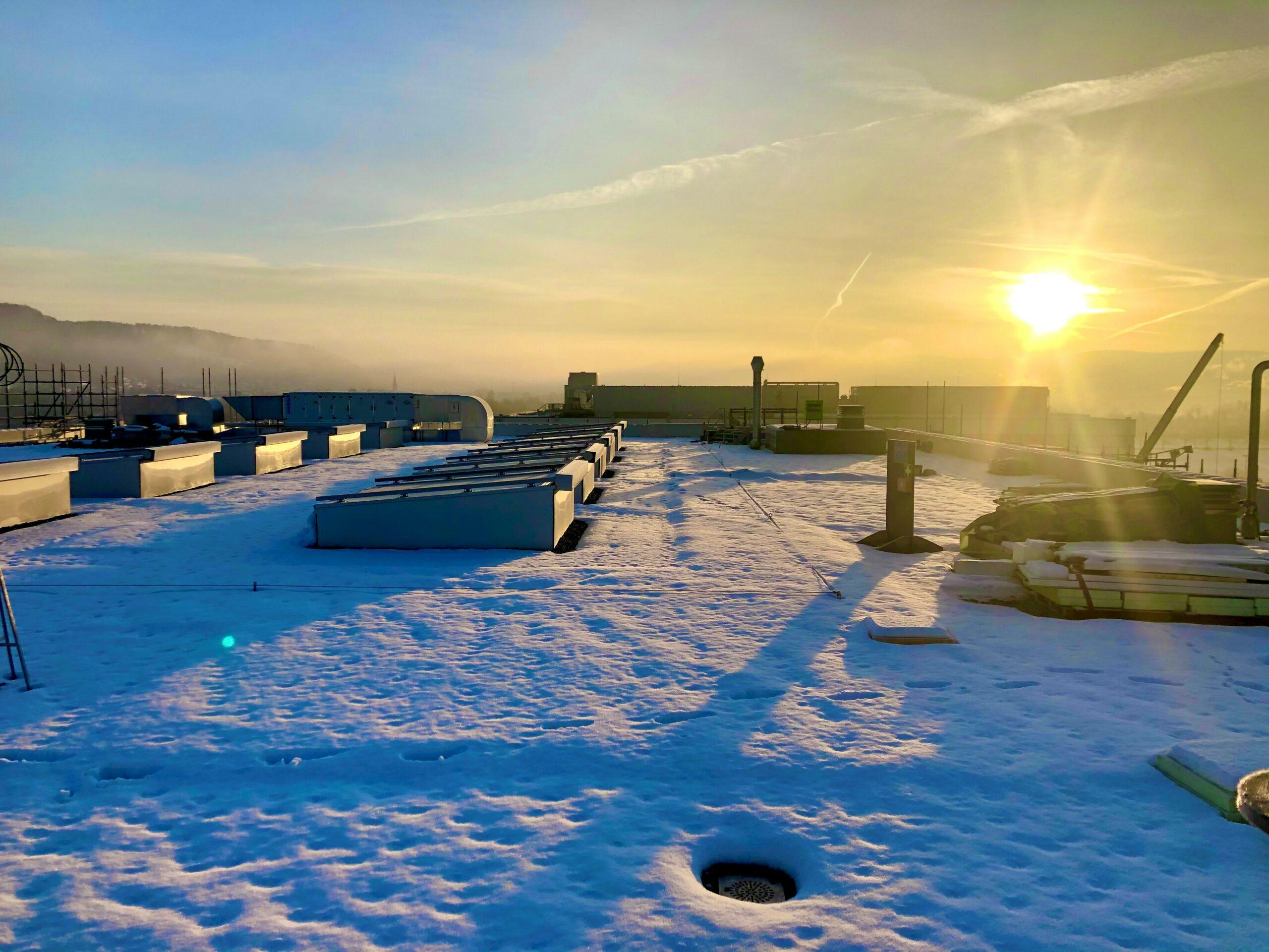 Sonnenaufgang auf dem Dach bei -6°C