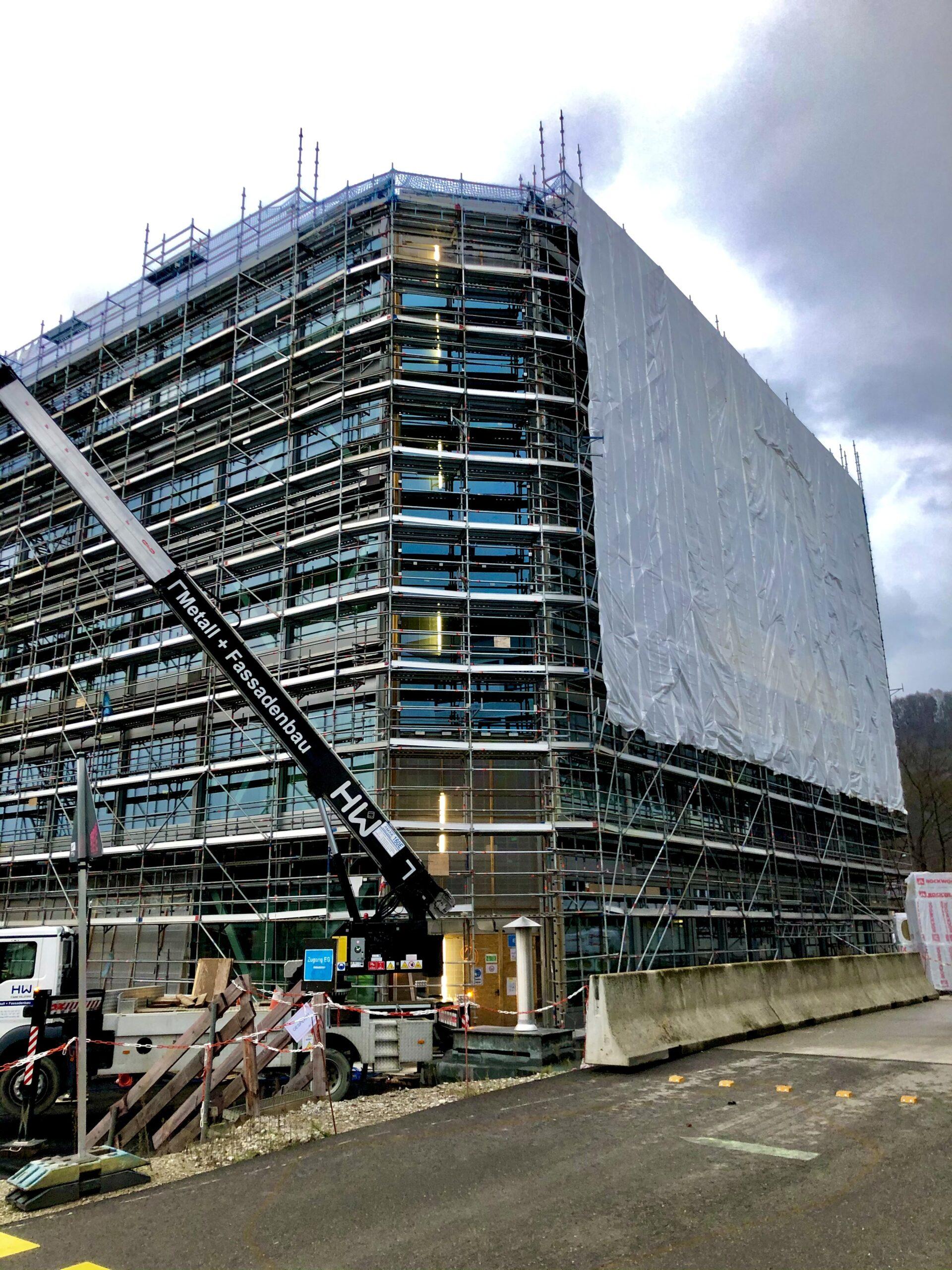 Treppenhausfassaden werden fertig
