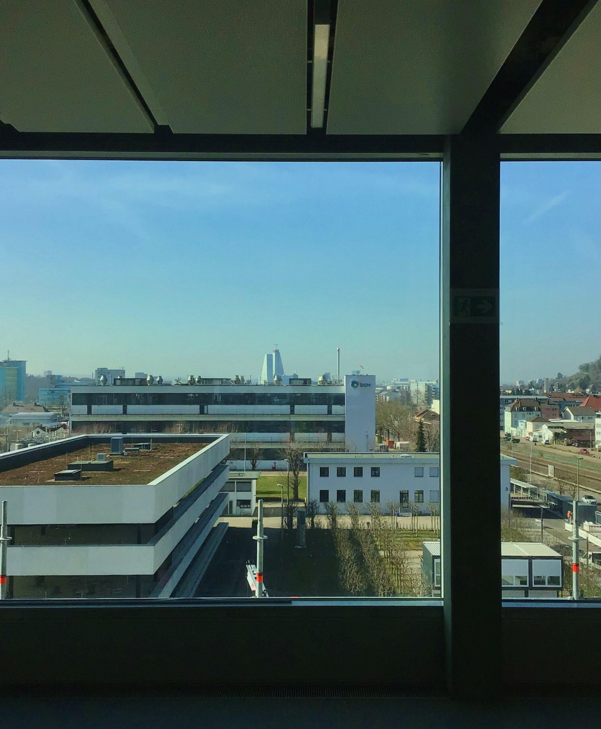 Ausblick aus dem 4. OG auf Basel