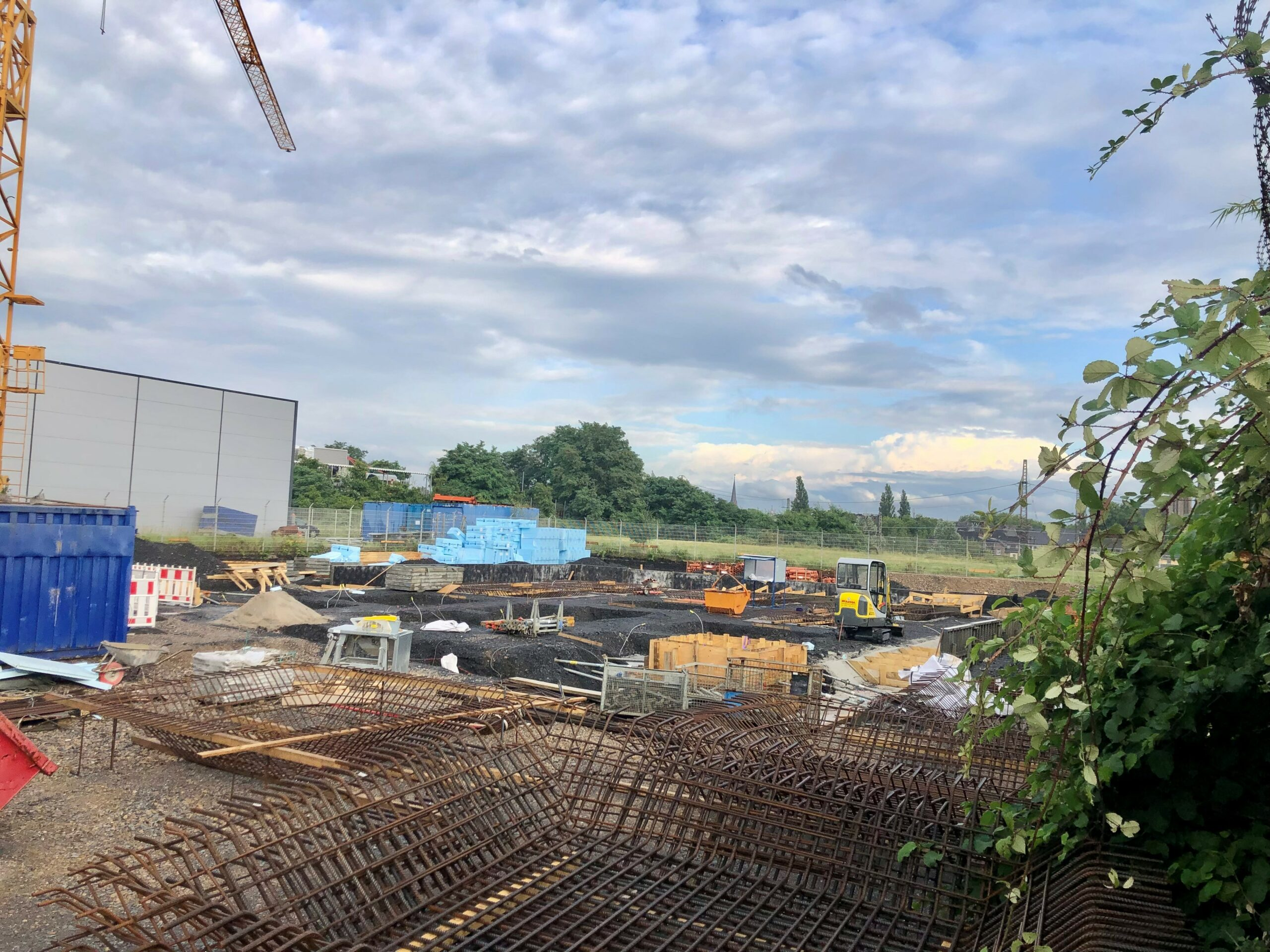 Fundamente für Büro und Kita Giraffenland in der Herstellung